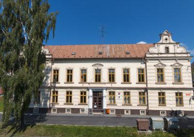 Budova Komenského ul.